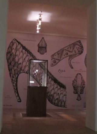 Virgule Roger Vivier Exhibit