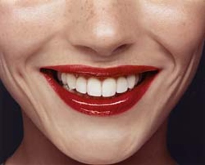 Smile_red_lipstick_2